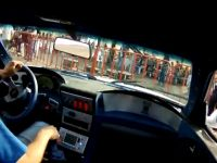 Bugatti Veyron vs Nissan R34