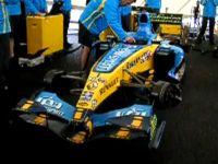 F1 запела