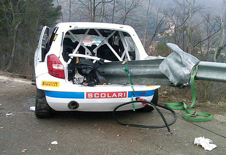 Фото разбитой Shkoda Роберта Кубицы, зад авто